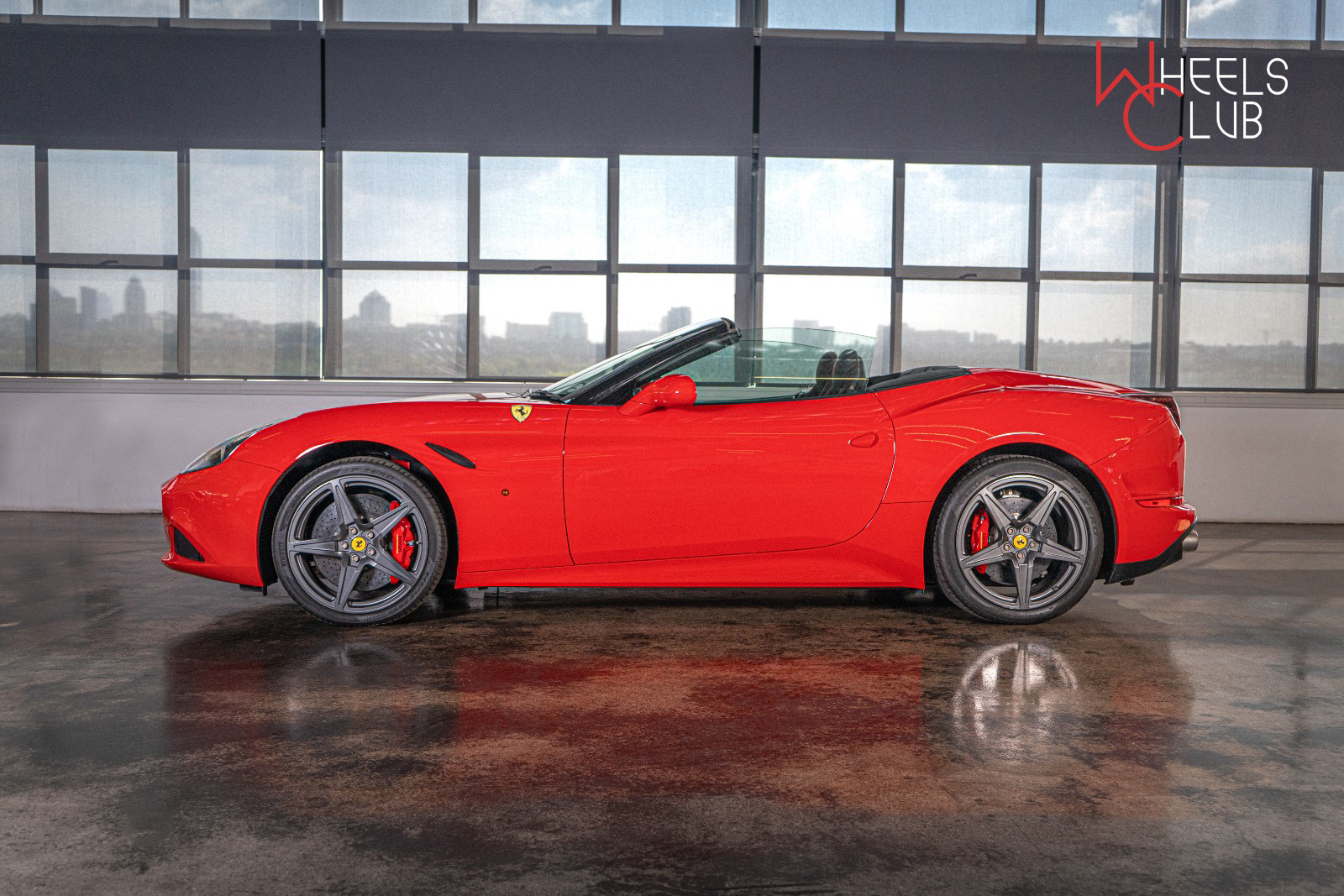 2015 CALIFORNIA T FERRARI